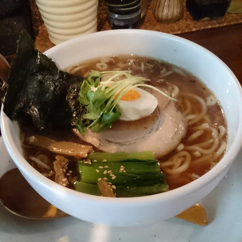 【美味しい新所沢】和風ラーメン。麺太で貝割れも乗っていてあじとみにも似ています。